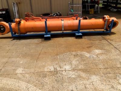 Hitachi 4418042 Boom Cylinder