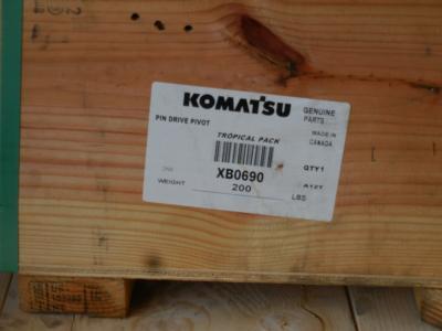 2019 Komatsu XB0690 Pin
